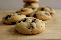 Recette cookies moelleux Facile. Le mot anglais « cookie » vient du néerlandais « koekje » (petit gâteau), introduit aux États-Unis