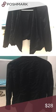 Too small! Super cute! Cute H&M drape front blazer! Size 6. Fits like a small. Very sexy! Great condition and good material. Perfect for a sexy dress or nice skinny jean. tags: fashion nova, zauful, misguided, asos , h&m, forever21 and mango. H&M Jackets & Coats Blazers