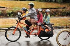 Sunday Parkways Northeast 2011-31-40 by BikePortland.org, via Flickr