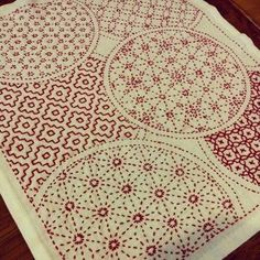 Beautiful traditional Japanese sashiko embroidery. Found this handmade piece on a Japanese blog. See my review of a sashiko sewing book at http://www.sewinlove.com.au/2013/05/23/japanese-sashiko-patter-book-review-%E3%81%AF%E3%81%98%E3%82%81%E3%81%A6%E3%81%AE%E5%88%BA%E3%81%97%E5%AD%90%E3%80%80%E3%83%AC%E3%83%93%E3%83%A5%E3%83%BC/