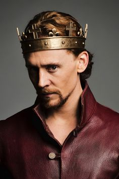 Tom Hiddleston - ♕ Henry V