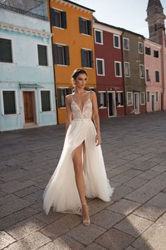 Beautiful A-Lane Backless Slip Slit Chiffon Wedding Dress / Bridal Gown with V-Neck Cut, Open Back and a Train for the Beach Wedding by Gali Karten Couture Slit Wedding Dress, Wedding Dresses 2018, Bridal Dresses, Prom Dresses, Wedding Dress Sparkle, Dream Dress, Bridal Collection, Vintage Dresses, Beautiful Dresses