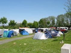 separate Zelt - Wiese zum entspannen und erholen.