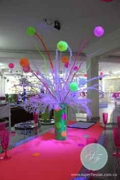 centros de mesa para 15 años en neon (2)