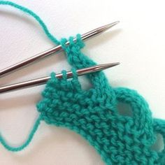 tutorial: knitting the loopy bind-off - La Visch Designs - Knitting Pattern Knitting Ideas Knit 2020 Knitting Trend Bind Off Knitting, Knitting Help, Knitting Stiches, Loom Knitting, Crochet Stitches, Hand Knitting, Tunisian Crochet, Crochet Granny, Knitting Humor