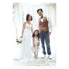 「family #前撮り #結婚式 #結婚 #かわいい #wedding #photo #tokyo #撮影小物 #プレ花嫁 #ウェディングドレス #結婚写真 #結婚式準備#ブライダル#bridal#ウェディング#ドレス#dress」