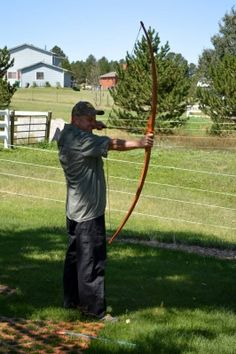 How to Make a Homemade Long Bow With Wood From the Hardware Store