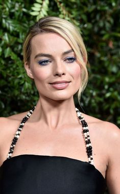 Margot Robbie arrives at the Chanel and Charles Finch pre-Oscar bash in Los Angeles; Margot Robbie Hot, Margo Robbie, Actress Margot Robbie, Margot Robbie Harley Quinn, Girl Celebrities, Celebs, Hollywood Actress Pics, London Photographer, Celebrity Gallery