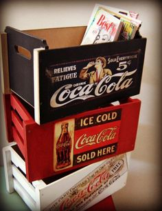 Pepsi, Coke, Diy Wood Projects, Woodworking Projects, Coca Cola Decor, Coca Cola Kitchen, Always Coca Cola, Style Loft, Decoupage Vintage