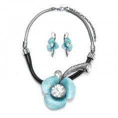 New Fashion Vintage Style Alloy And Leather Chain With Flower Fashion Necklace And Earrings Set - USD $39.95