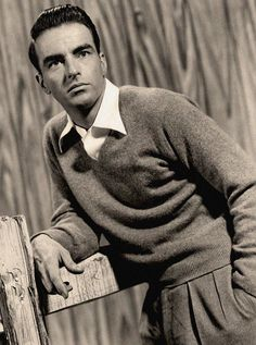 Montgomery Clift in From Here to Eternity directed by Fred Zinnemann, 1953 Hollywood Stars, Classic Hollywood, Old Hollywood, Hollywood Icons, Hollywood Actor, Judgment At Nuremberg, Fred Zinnemann, Montgomery Clift, Star Wars