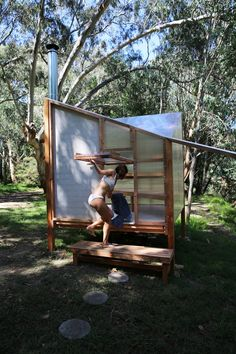 studio rain revives bathing culture with an off-grid sauna installation in melbourne Saunas, Building A Sauna, Prefabricated Structures, Sauna Design, Design Design, Outdoor Sauna, Sauna Room, Interactive Installation, Construction Process