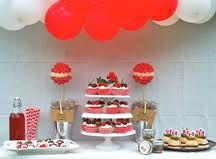 Canada decorating idea - doesn't it look fabulous #CanadaDay #happyholidays #love #family #friends #celebrate #lucylane