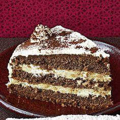 Genießen Sie diesen typischen Weihnachtskeks mal als sahnige Torte.