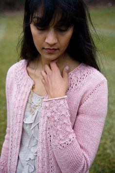 cd72ef954dc5e7 Ravelry  Alexandria Cardigan by Connie Chang Chinchio Knitting For Charity