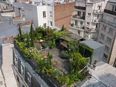 Rooftop terrace seen from above: A green roof terrace in Paris Rooftop Terrace, Terrace Garden, Green Terrace, Pergola Shade, Diy Pergola, Pergola Ideas, Pergola Kits, Pergola Roof, Cheap Pergola