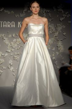 Total sophistication in this Sample Tara Keely 2002 wedding dress with pockets.