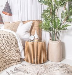 Beautiful bedroom style filled with gorgeous Uniqwa Furniture pieces. All available through Magnolia Lane MLx Dream Bedroom, Home Bedroom, Bedroom Furniture, Furniture Design, Bedroom Decor, Bedroom Inspo, Bedroom Inspiration, Master Bedroom, Mens Bedding Sets