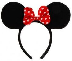 How to put together a Mini Mouse Costume for a Tween/teen that DOESN'T LOOK like a bar wench!! Halloween ideas for costumes from goodncrazy.com Carissa Rogers