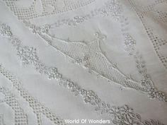 ホワイト刺繍