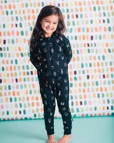 Cute Small Girl, Cute Little Baby Girl, Cute Baby Girl Pictures, Cute Baby Girl Outfits, Beautiful Baby Girl, Cute Girl Poses, Kids Outfits Girls, Beautiful Kids, Sweet Girls