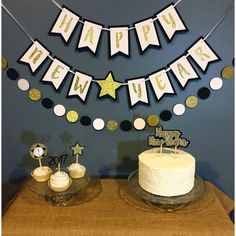 new year Banner 2018 - New Years eve banner new years eve decor new years eve party nye decor nye party nye banner nye 2018 new years banner. Diy New Years Party, New Year Diy, Happy New Year Baby, Happy New Year Banner, New Year's Eve Party Themes, New Years Eve Decorations, New Year Backdrop, New Years Eve 2018, New Year's Eve Crafts