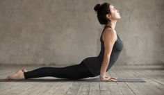 Practicing yoga can have many benefits such as increasing flexibility. This list will introduce you to some of the best yoga poses for flexibility. Yoga Routine, Yoga Fitness, Fitness Video, Yoga Vinyasa, Yoga Bewegungen, Kid Yoga, Mckenzie Method, Beginner Yoga Workout, Yoga Workouts