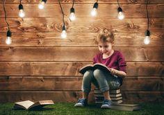 Todos somos responsables de la creación del hábito de lectura en los más jóvenes. La lectura es muy importante en la vida de las personas. Ella ayuda a crear sociedades formadas e informadas. Ahora bien, crear el hábito lector a esas personas debe empezar desde una edad temprana… y el hogar, la escuela y la biblioteca tienen un papel fundamental en hacer que los jóvenes adquieran el gusto lector. Todos somos responsables del futuro de los más pequeños y debemos tratar de adoptar medidas…