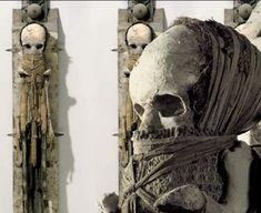 Skull Art by Joachim Luetke ☠️