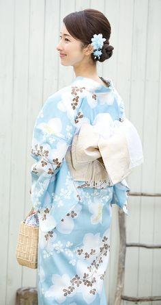 花原 緑 Traditional Japanese Kimono, Japanese Costume, Summer Kimono, Kimono Dress, Japanese Beauty, Yukata, Ao Dai, Kimono Fashion, Dance Dresses