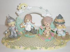 PRECIOUS MOMENTS WIZARD OF OZ YELLOW BRICK ROAD 5 PIECE SET on eBay!