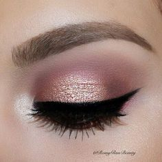 Would you like to put on some makeup and don't know how? Very simple: professional make-up . - Would you like to put on your make-up and . Cute Makeup, Pretty Makeup, Diy Makeup, Simple Makeup, Makeup Ideas, Makeup Goals, Makeup Inspo, Makeup Inspiration, Makeup Style