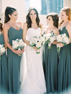 teal bridesmaid dresses | Photography: Clary Pfeiffer Photography