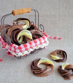 Advent 8: Driedubbele chocolade kerstkransjes - Laura's Bakery