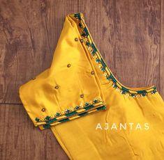 Cotton Saree Blouse Designs, Cutwork Blouse Designs, Simple Blouse Designs, Embroidery Neck Designs, Stylish Blouse Design, Embroidery Blouses, Embroidery Fashion, Simple Designs, Maggam Work Designs