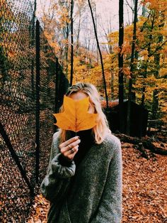 Super photography poses for teens photoshoot outfit Ideas Teen Photography, Autumn Photography, Amazing Photography, Portrait Photography, Photography Ideas For Teens, Teen Fotografie, Autumn Aesthetic, Fall Photos, Cute Fall Pictures