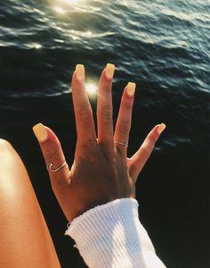24 Minimalism Bright Yellow Nails for You in This Summer – Page 9 of 24 – Getbes… - Summer Nail Colors Ideen Aycrlic Nails, Cute Nails, Pretty Nails, Hair And Nails, Coffin Nails, Toenails, Cute Short Nails, Cute Summer Nails, Classy Nails