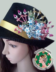sombreros decorados - Buscar con Google Seed Bead Flowers, Beaded Flowers, Seed Beads, Beads And Wire, Panama, Captain Hat, Old Things, Halloween, Hats
