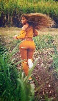 Beyoncé OTR II Tour Book