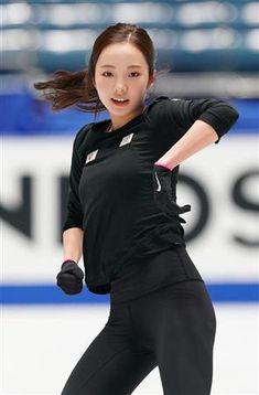 Kim Yuna, Beautiful Asian Girls, Beautiful Women, Swimming Sport, Beautiful Athletes, Honda, Poses References, Figure Skating Dresses, Body Poses