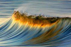 Olas del mar transmutadas en impresionismo onírico, una serie de David Orias (FOTOS) | Pijamasurf
