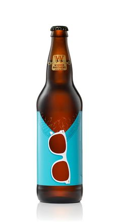 30 Beers for 30 Years 2001 to 2006 on Packaging of the World - Creative Package Design Gallery PD Beverage Packaging, Bottle Packaging, Brand Packaging, Craft Beer Labels, Beer Label Design, Beer Brands, Best Beer, Bottle Design, Packaging Design Inspiration