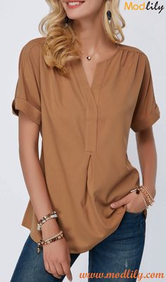 Buy this superb stylish Split Neck Printed Black Long Sleeve Blouse from our collection! Buy now this Split Neck Dark Khaki Short Sleeve Blouse. Stylish Tops For Girls, Trendy Tops For Women, Blouses For Women, Look Fashion, Fashion Outfits, Trendy Fashion, Fashion Clothes, Fashion Women, Stil Inspiration