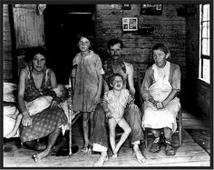 Bud Fields and his family. Alabama. 1935 or 1936. Photographer: Walker Evans.