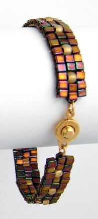 Marching Cubes Bracelet  a beadwork project for beginners   by Marilyn Gardiner: