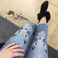 The ultimate casual Friday jeans 🐱👖 cc: @rayasunshiine