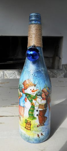 Eco Design by Carlos Rossi Christmas Centerpieces, Christmas Decorations, Decoupage, Christmas Gifts, Christmas Ornaments, Bottle Painting, Bottles And Jars, Bottle Crafts, Vases