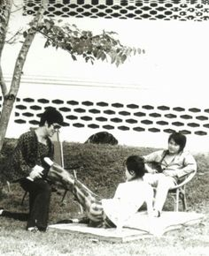 Bruce Lee Master, Bruce Lee Family, Rare Pictures, Rare Photos, Bruce Lee Martial Arts, Marshal Arts, Indian Yoga, Bruce Lee Photos, The Big Boss