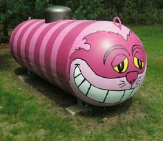 A propane tank (technically called a bottle) . Is a 500 gallon propane tank still called a bottle? Now, if it was a stand up gallon tank, I can see. Big Hot Dog, Propane Tank Art, Simple Art Designs, Helium Tank, Chesire Cat, Cool Tanks, Awesome Tanks, Street Art, Farm Art