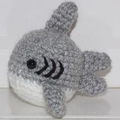 Baby Shark amigurumi pattern